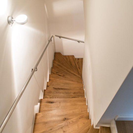 https://wetzl-innenausbau.de/wp-content/uploads/2017/01/innenausbau-wetzl-muenchen-treppe-fussboden-02-540x540.jpg