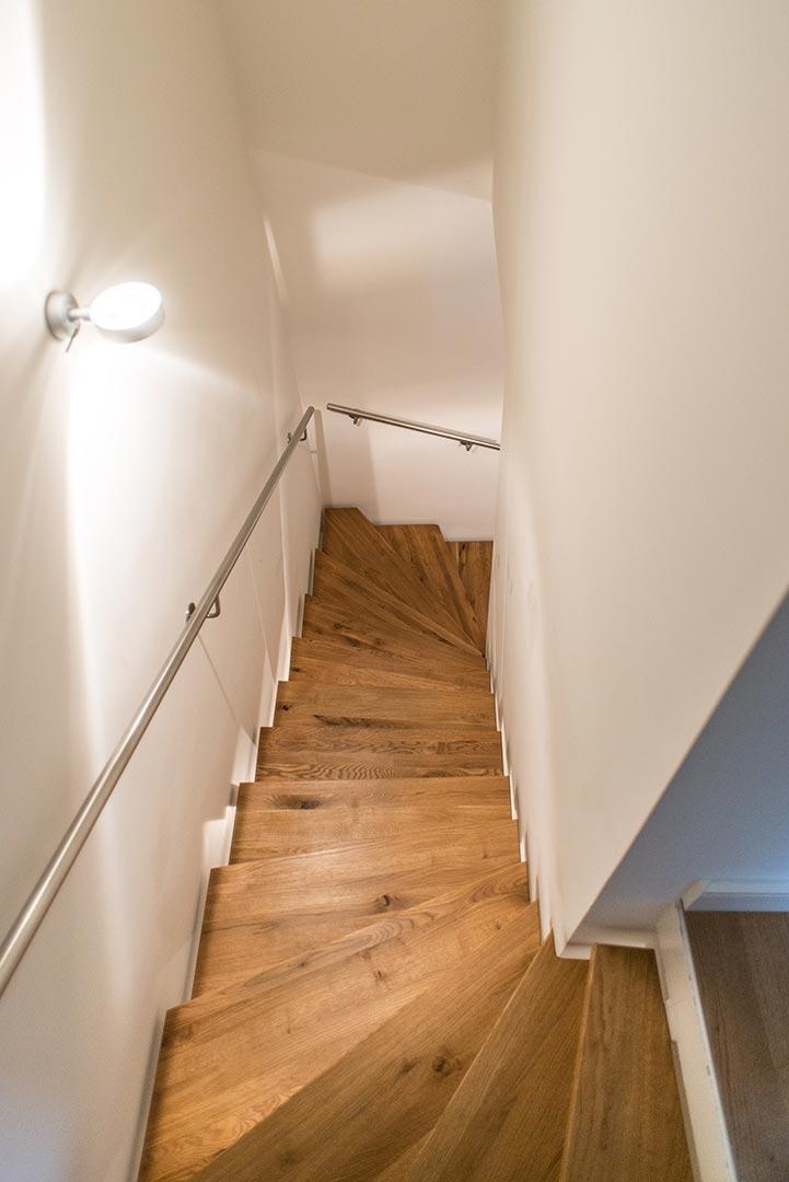 https://wetzl-innenausbau.de/wp-content/uploads/2017/01/innenausbau-wetzl-muenchen-treppe-fussboden-02.jpg