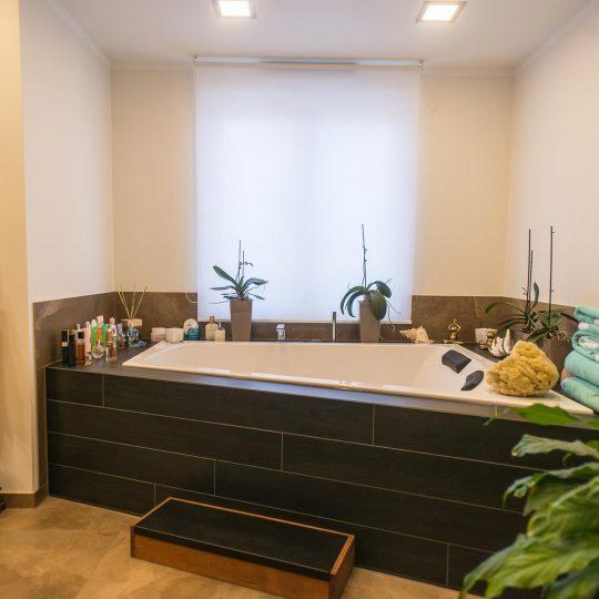 https://wetzl-innenausbau.de/wp-content/uploads/2017/10/innenausbau-wetzl-muenchen-badezimmer-komplettumbau-08-540x540.jpg