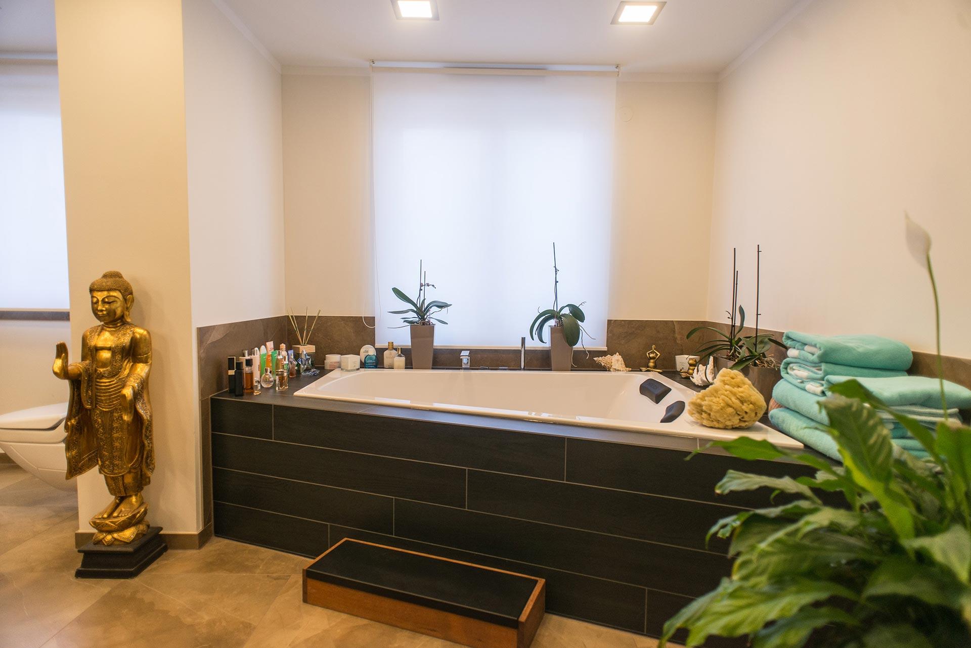https://wetzl-innenausbau.de/wp-content/uploads/2017/10/innenausbau-wetzl-muenchen-badezimmer-komplettumbau-08.jpg