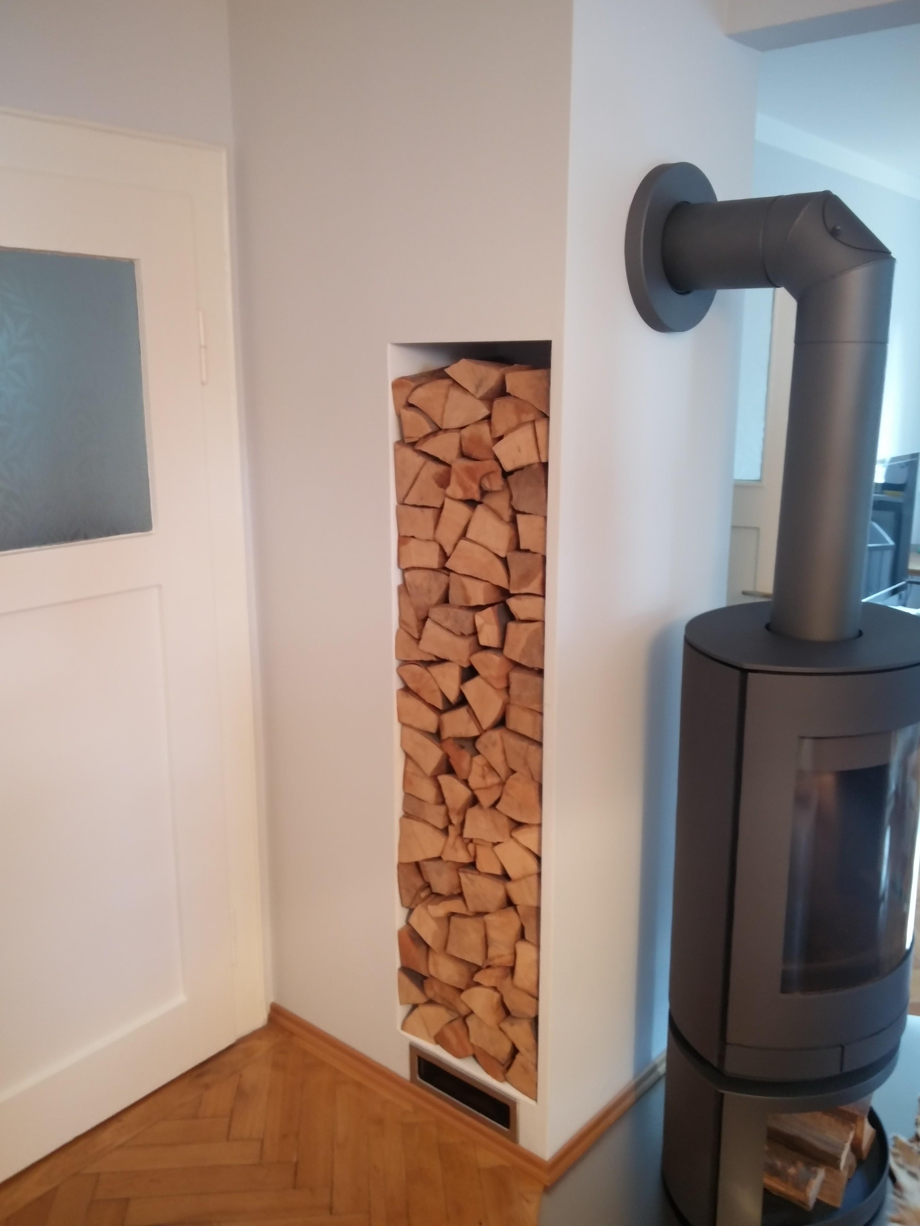 Holzlager und Bodenplatte / Wetzl-Innenausbau
