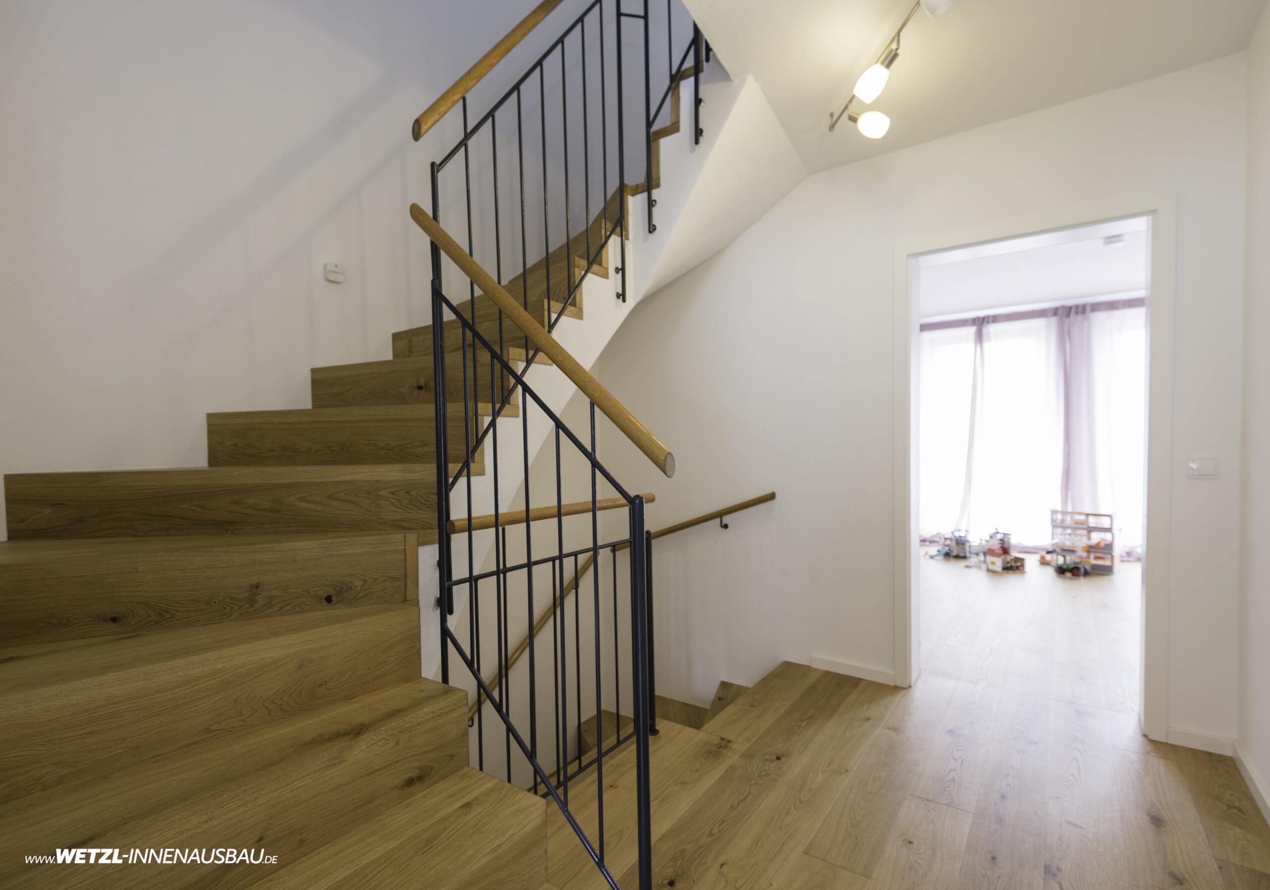 https://wetzl-innenausbau.de/wp-content/uploads/2020/07/wetzl-innenausbau-muenchen-treppenhaus-erneuert-4-scaled.jpg